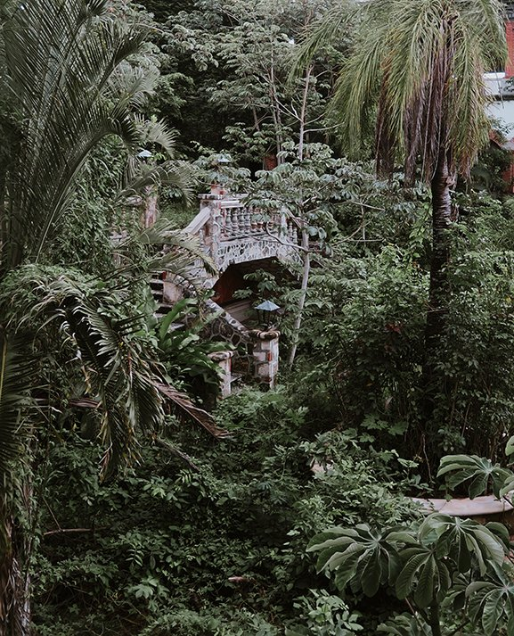 elisabetta riccio - abandoned hotel, the millionaire ruins of Bacalar, Quintana Roo