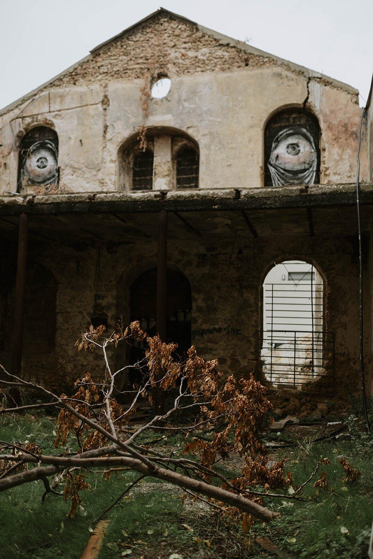 elisabetta riccio - abandoned building in tel aviv