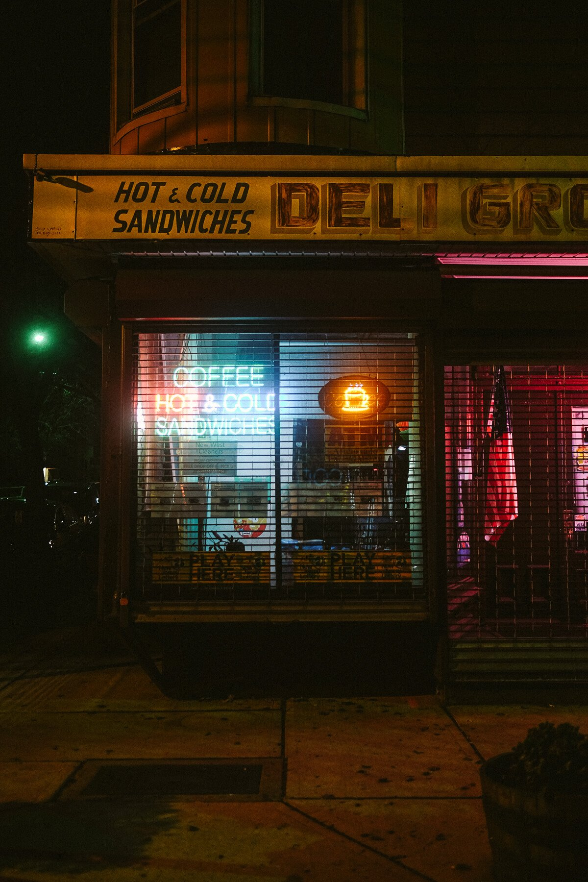 elisabetta riccio-urban vision- intersection of a street illuminated by artificial light in the middle of the night in new jersey