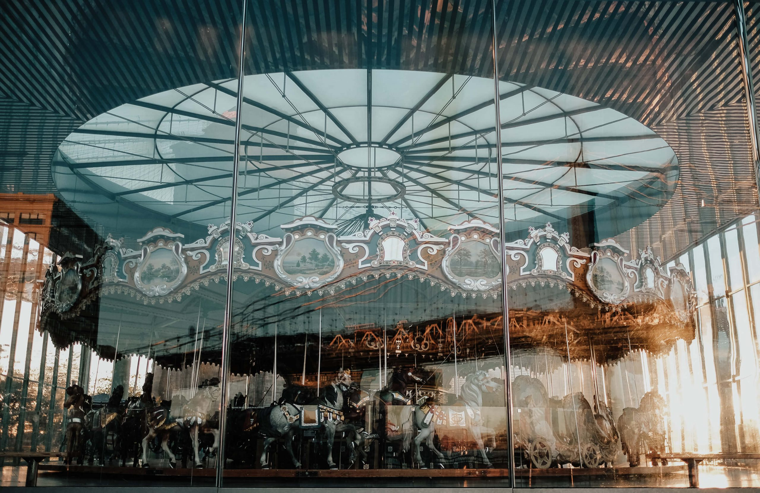 elisabetta riccio - urban vision - detail of the carousel located in Dumbo in front of the broklyn bridge