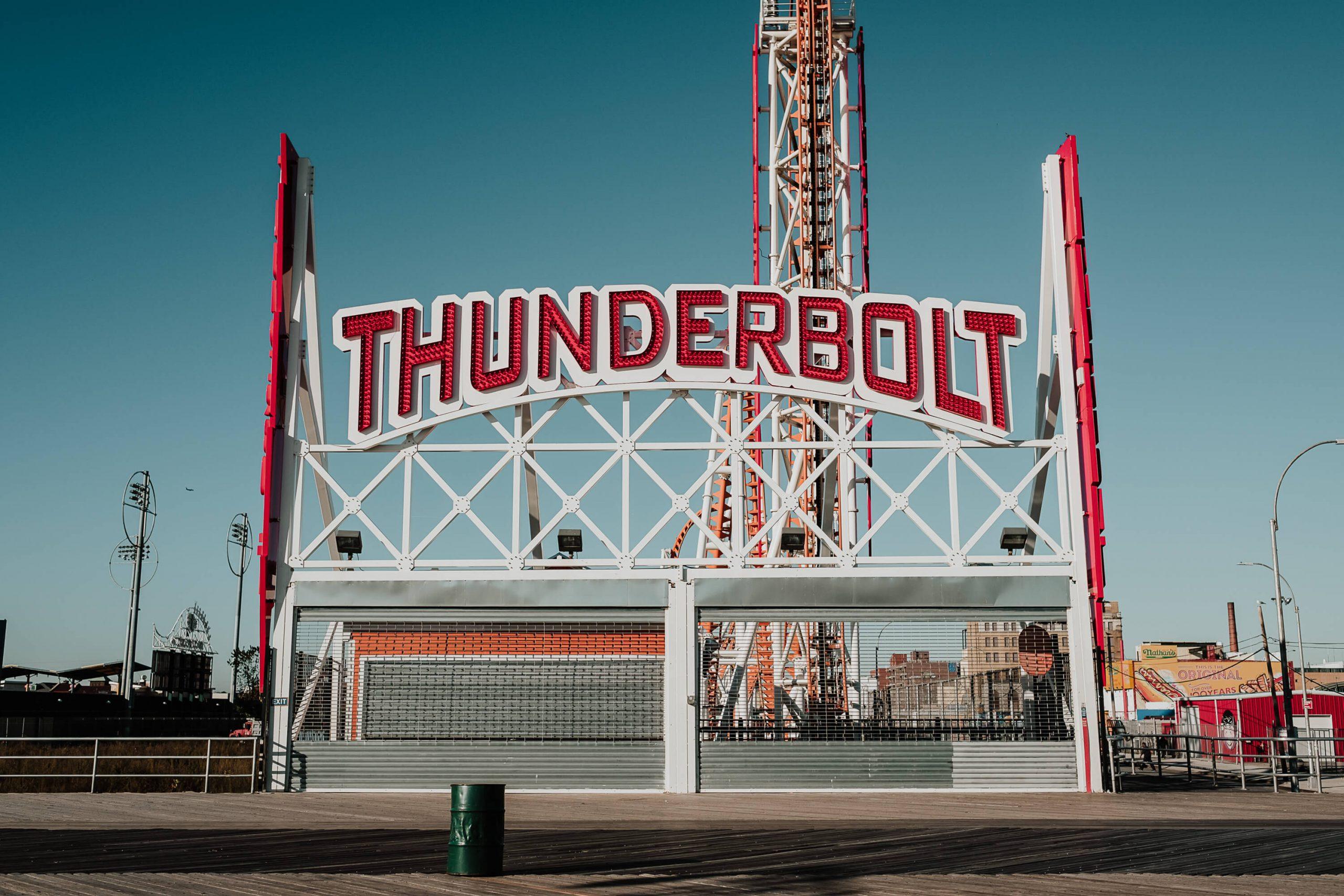 elisabetta riccio - urban vision - the thunderbolt at coney island