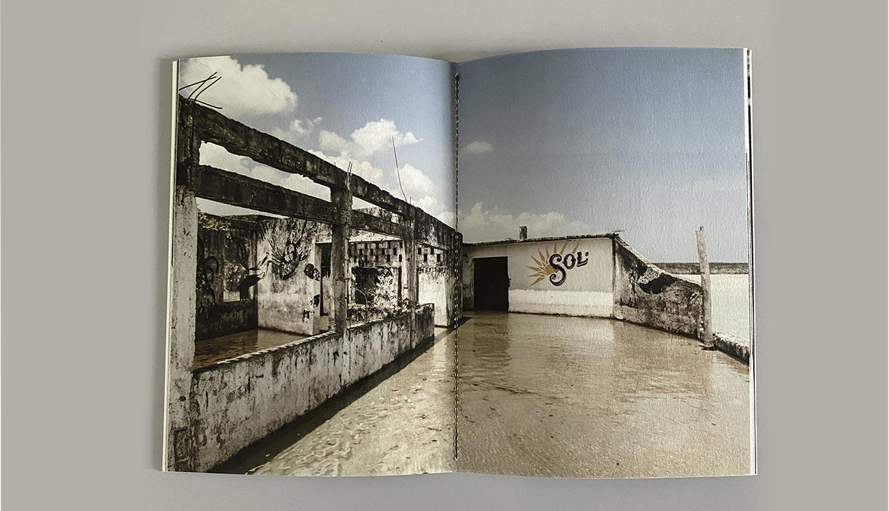 Foto della zine A-Typical urban vision